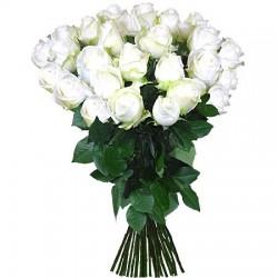 Ein Bund weisse Rosen